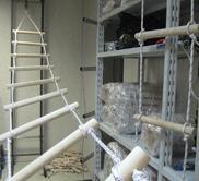 Лестница для колодца: особенности конструкции